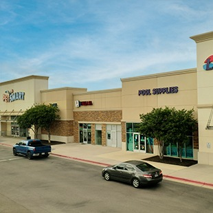 Exterior of Inline PetSmart, JB Nails & Spa and Leslie's Pool Supplies at Red Oak Village in San Marcos, TX
